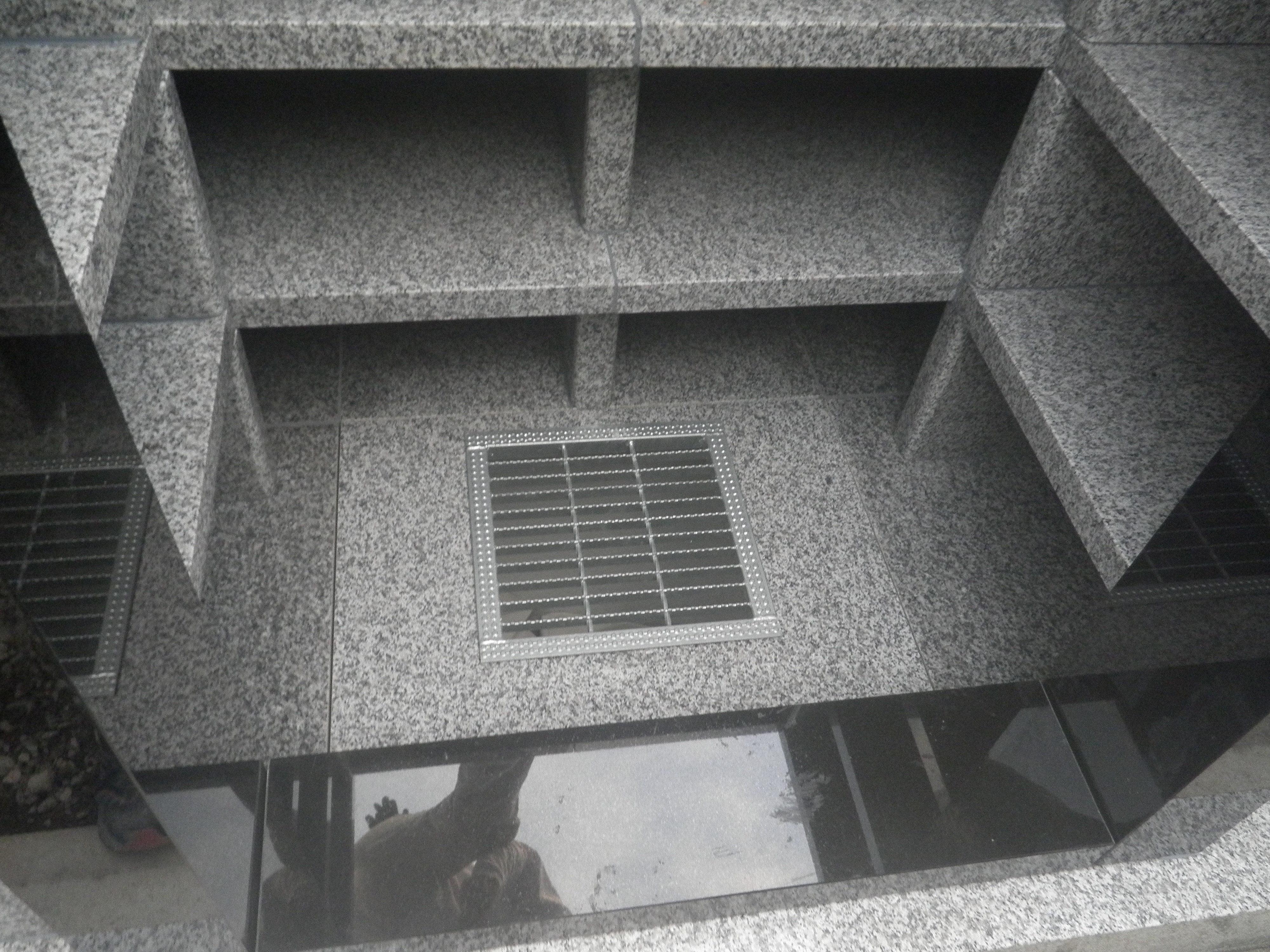 慈照塔 (納骨塔) 内部